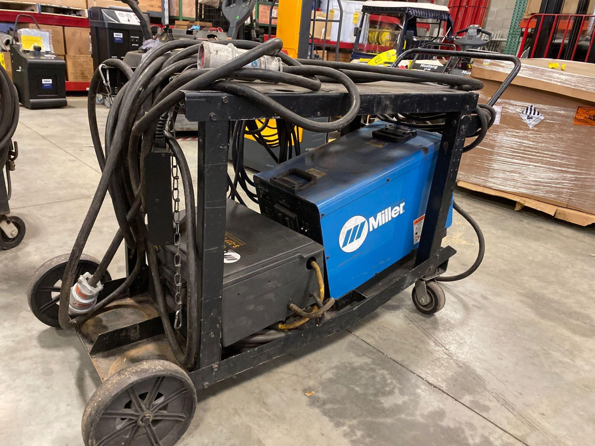 Lot 183 - MILLER INVISION 456P WELDER WITH MILLER S-22P12 24V CONSTANT SPEED WIRE FEEDER
