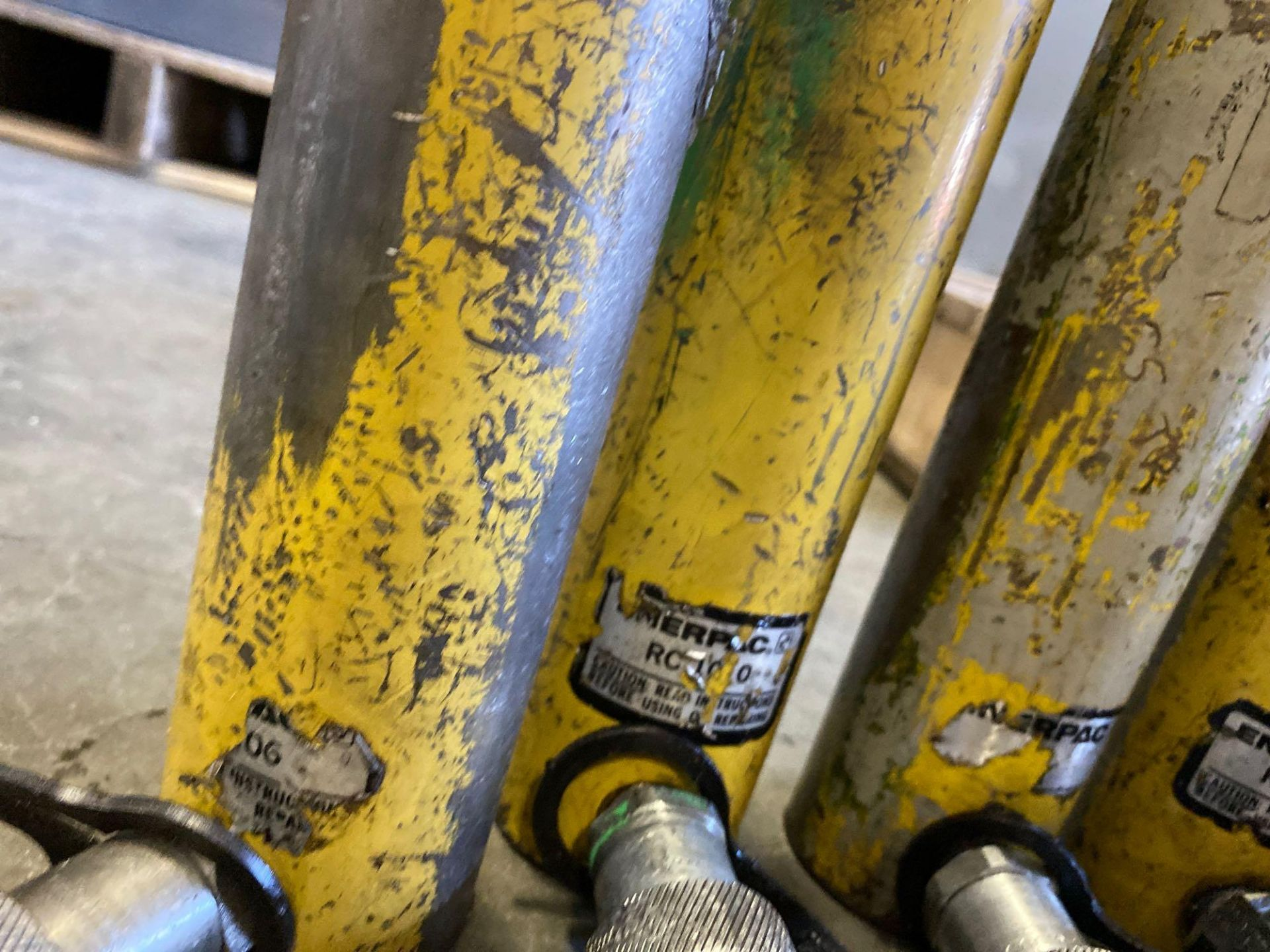 Lot 334C - ASSORTED HYDRUALIC CYLINDERS