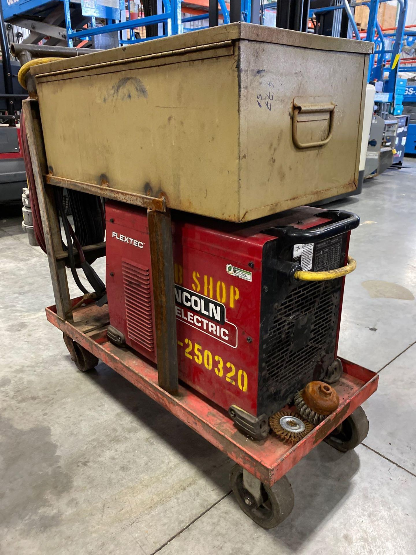 Lot 177 - LINCOLN ELECTRIC FLEXTEC 450 WELDER WITH CART AND STORAGE BOX