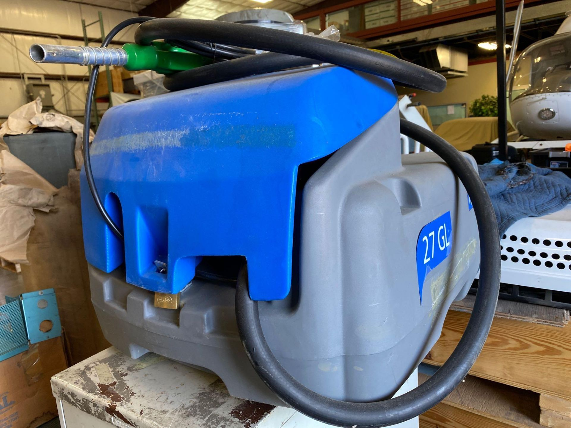 Lot 35A - UNUSED TOTO 27 GALLON FUEL TANK WITH 12V PUMP