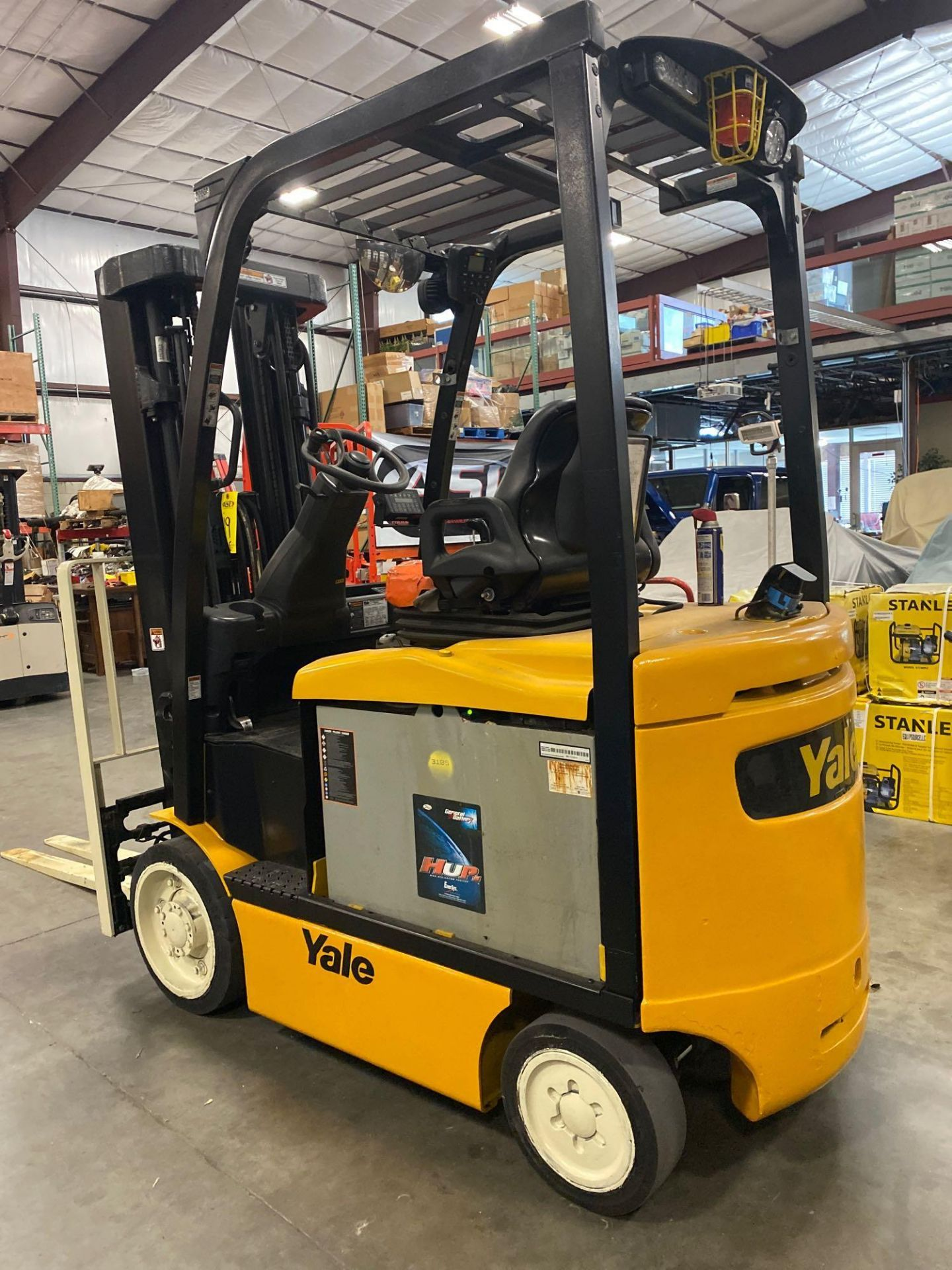 """Lot 19 - YALE ELECTRIC FORKLIFT MODEL ERCO50VGN36TE088, 36V, 200.8"""" HEIGHT CAPACITY, APPROX. 5,000 LB CAPACIT"""