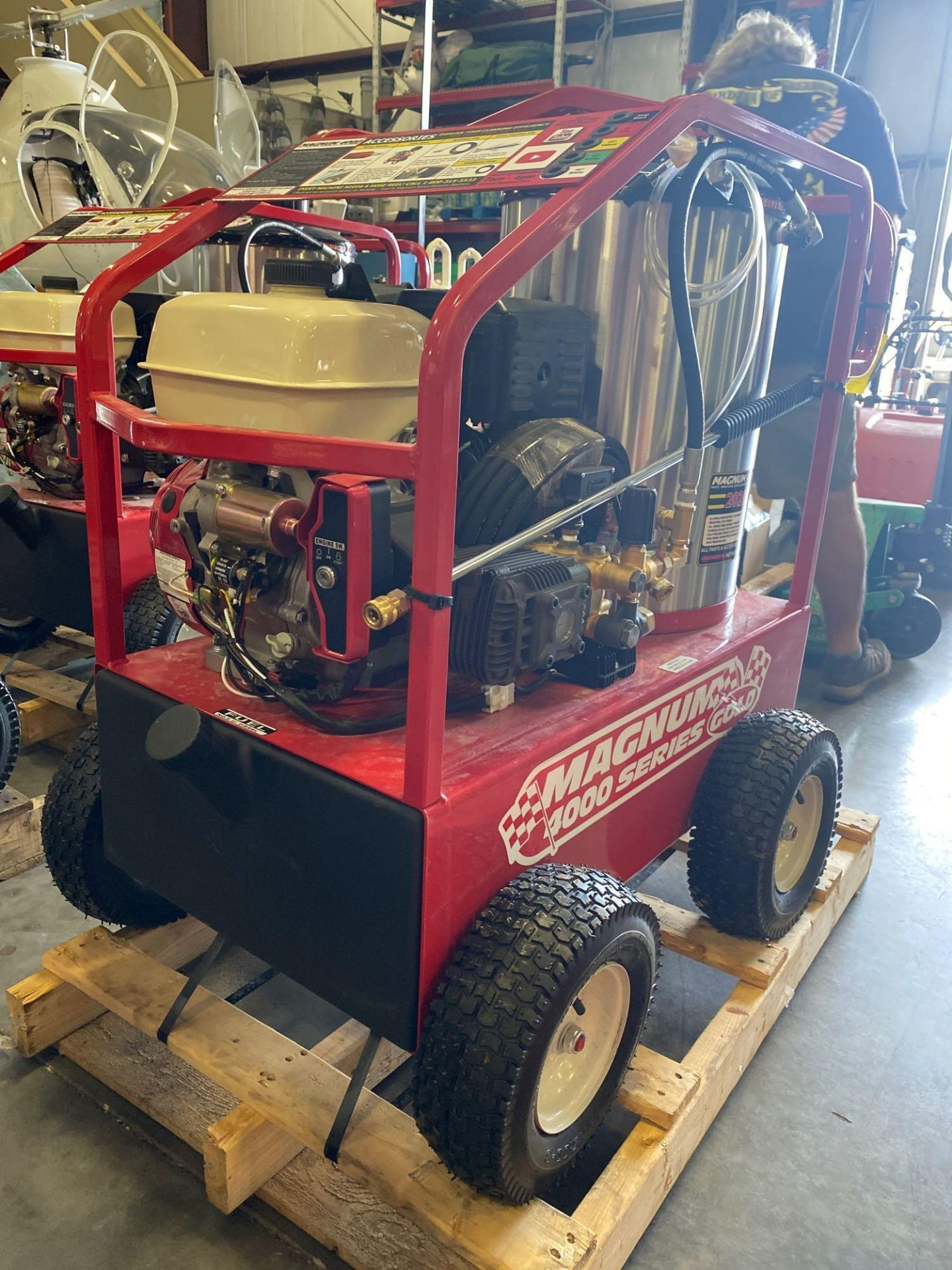Lot 6 - NEW/UNUSED 2020 MAGNUM 4000 HEATED PRESSURE WASHER, ELECTRIC START