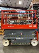 2015 SKYJACK SJIII 3226 ELECTRIC SCISSOR LIFT, 26' PLATFORM HEIGHT, BUILT IN BATTERY CHARGER, SLIDE