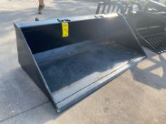 "UNUSED 72"" UNIVERSAL SKID STEER HEAVY DUTY BUCKET ATTACHMENT"