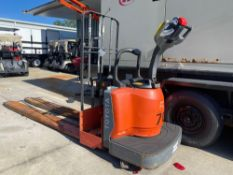 TOYOTA ELECTRIC PALLET JACK MODEL 8HBE30, OPERATES WHEN CONNECTED TO POWER, MISSING BATTERY, 6,000 L