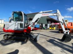 TAKEUCHI TB135 DIESEL EXCAVATOR, RUBBER TRACKS, SWING BOOM, ENCLOSED CAB WITH HEAT AND A/C, NO LEAKS