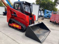 2019 MANITOA RUBBER TRACKED SKID STEER WITH BUCKET ATTACHMENT, UNUSED, YANMAR DIESEL, 3.7 HOURS SHOW