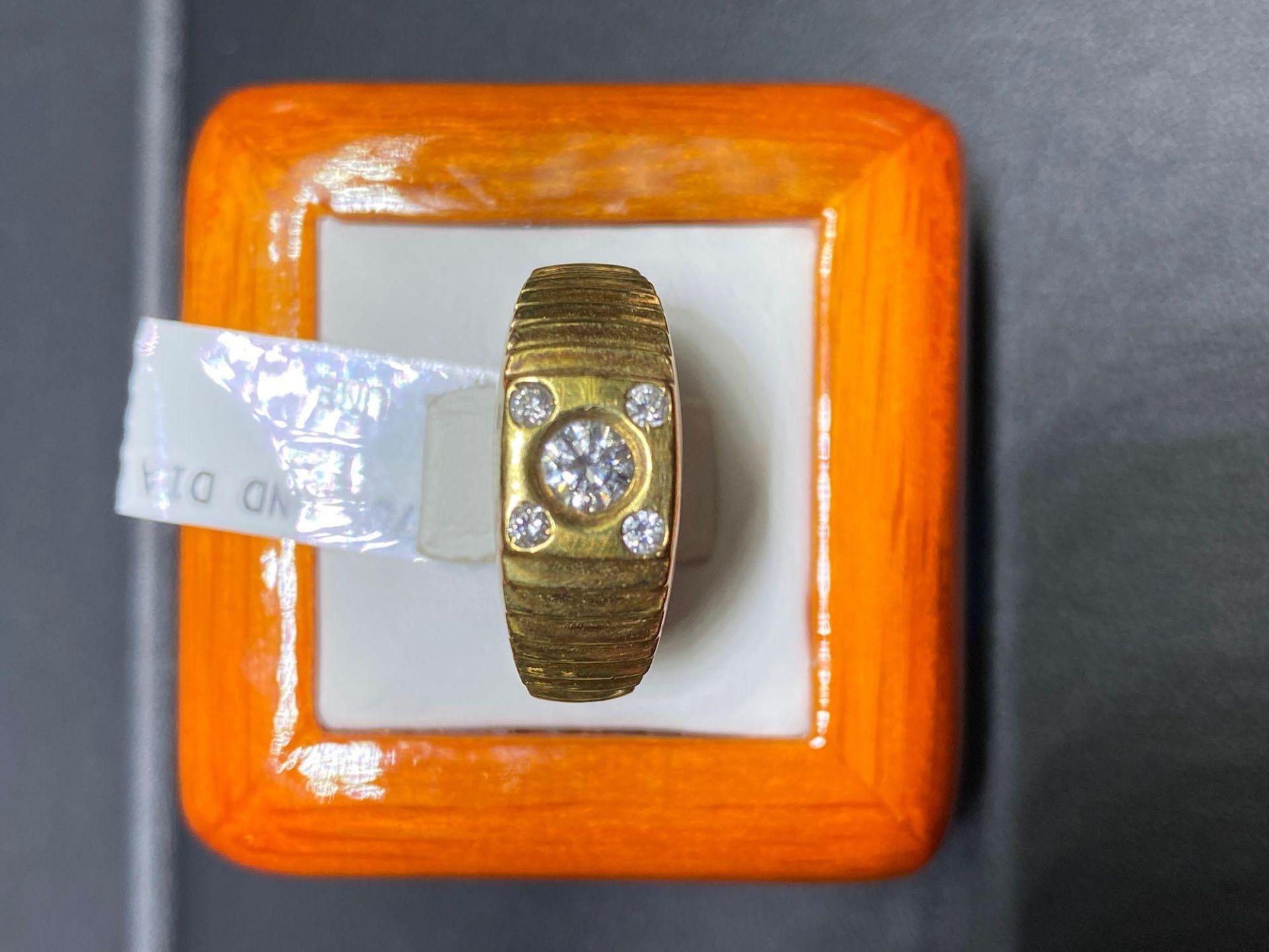 MANS .37CT DIAMOND BAND 18K