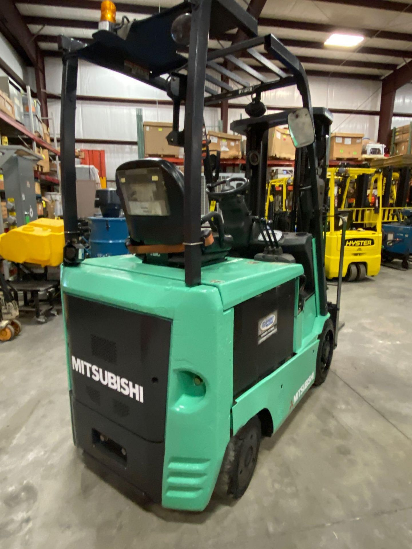 "2015 MITSUBISHI FBC25N2 36V FORKLIFT, APPROX 4500LB CAPACITY, TILT, SIDESHIFT, LIFT 188"" MAX HEIGHT, - Image 6 of 20"