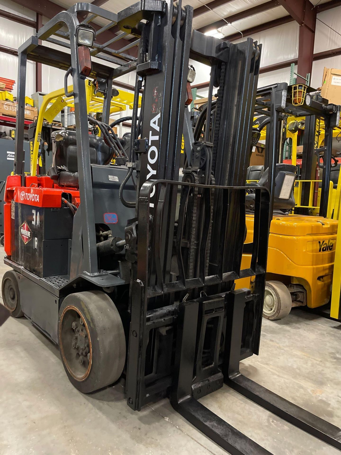 """TOYOTA 7FBCU25 ELECTRIC FORKLIFT, 5,000 LB CAPACITY, 170.5"""" HEIGHT CAPACITY - Image 3 of 18"""