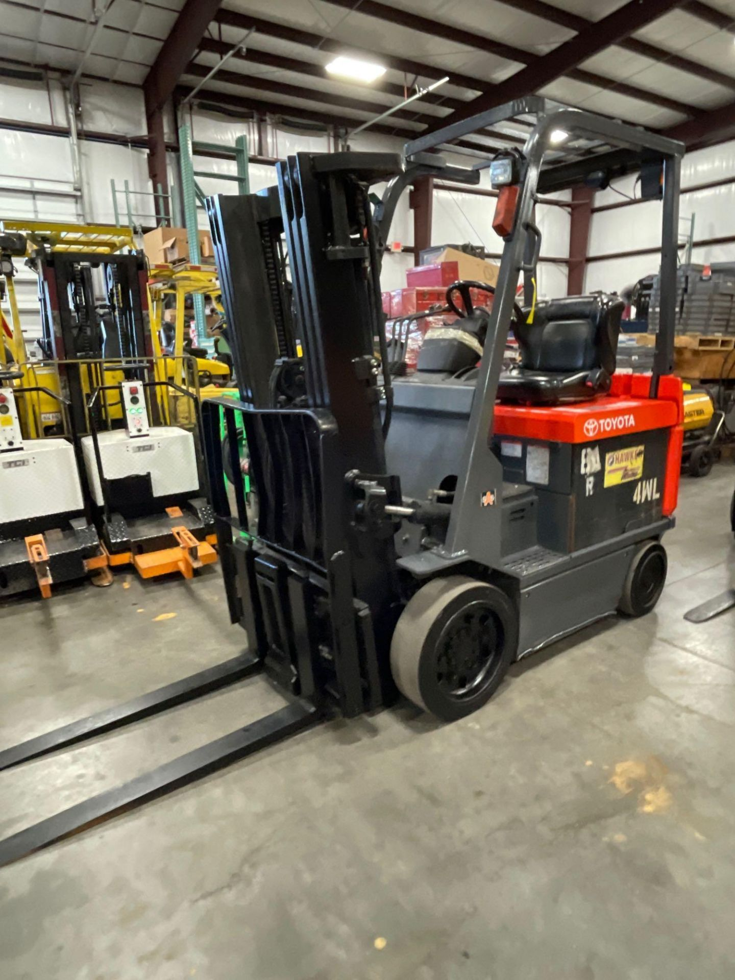 """TOYOTA 7FBCU25 ELECTRIC FORKLIFT, 5,000 LB CAPACITY, 170.5"""" HEIGHT CAPACITY, TILT, SIDE SHIFT - Image 2 of 16"""