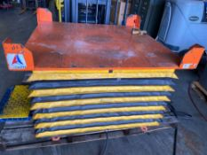 """PNEUMATIC AIR CASTER LIFT TABLE 50""""x50"""""""