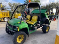 JOHN DEERE GATOR XUV UTILITY CART WITH HYDRAULIC DUMP BED, GAS POWERED, 1,713 HOURS SHOWING 4x4