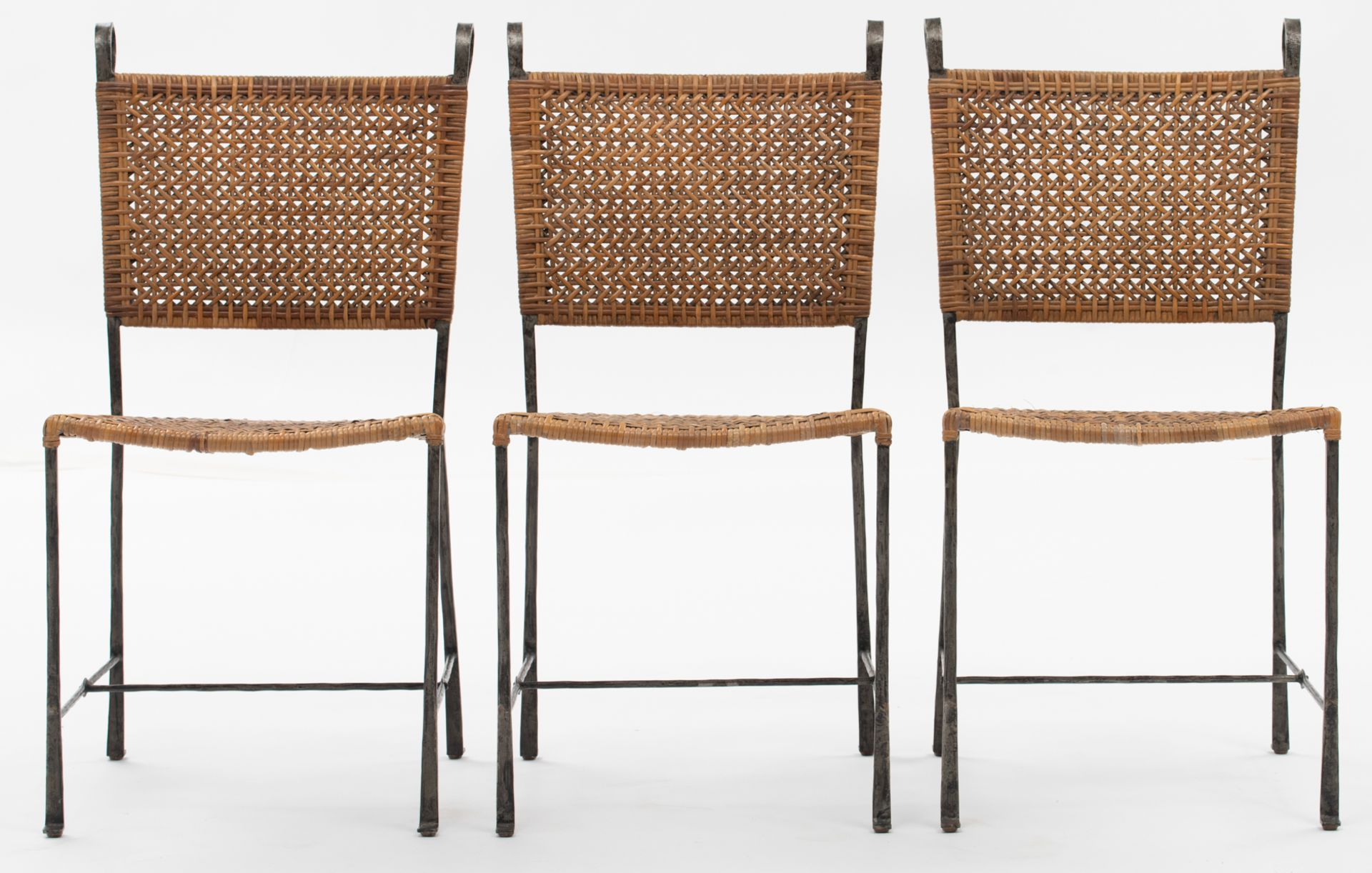 Los 534 - A set of six chairs by Ched Berenguer-Topacio, cast iron and rattan, H 91 - W 46 - D 55 cm