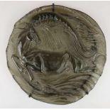 Ernst Fuchs (1930 - 2015), Großes Glas-Relief 'Pegasus', Rosenthal, 1980. Rauchfarbenes Glas mit