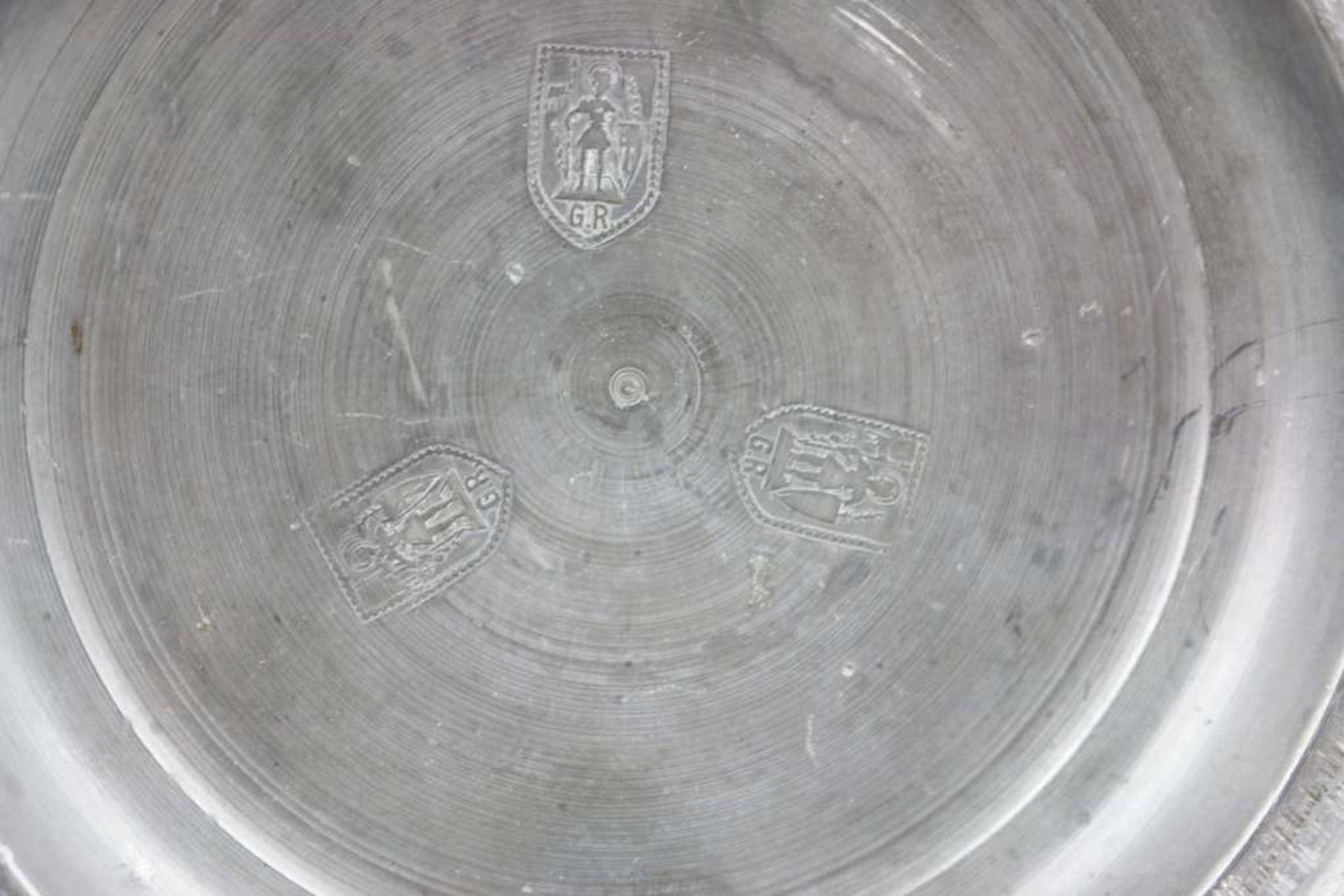 Apostelkrug im Stil der Creusenkrüge, wohl 19./20. Jh., dunkelbraun engobiertes, salzglasierte - Bild 3 aus 4