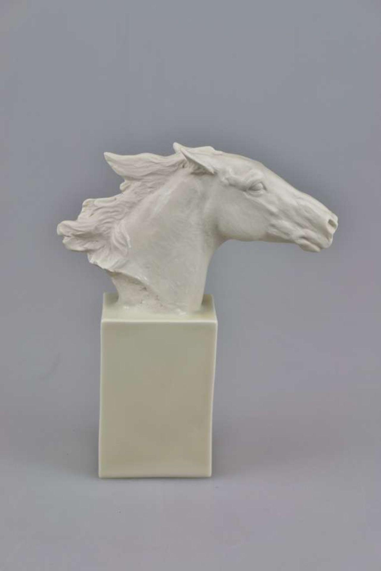 """Rosenthal, Pferdekopf auf Stele, """"Hannibal"""", Mitte 20. Jh., Entwurf Albert Hinrich HUSSMANN (18 - Bild 3 aus 4"""