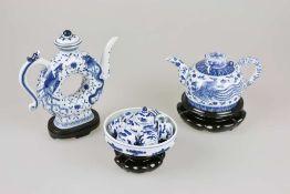 Konvolut 3 Replika Teekannen, China/ Taiwan, 20. Jh., 13-teilig, nach Museumsstücken aus dem N