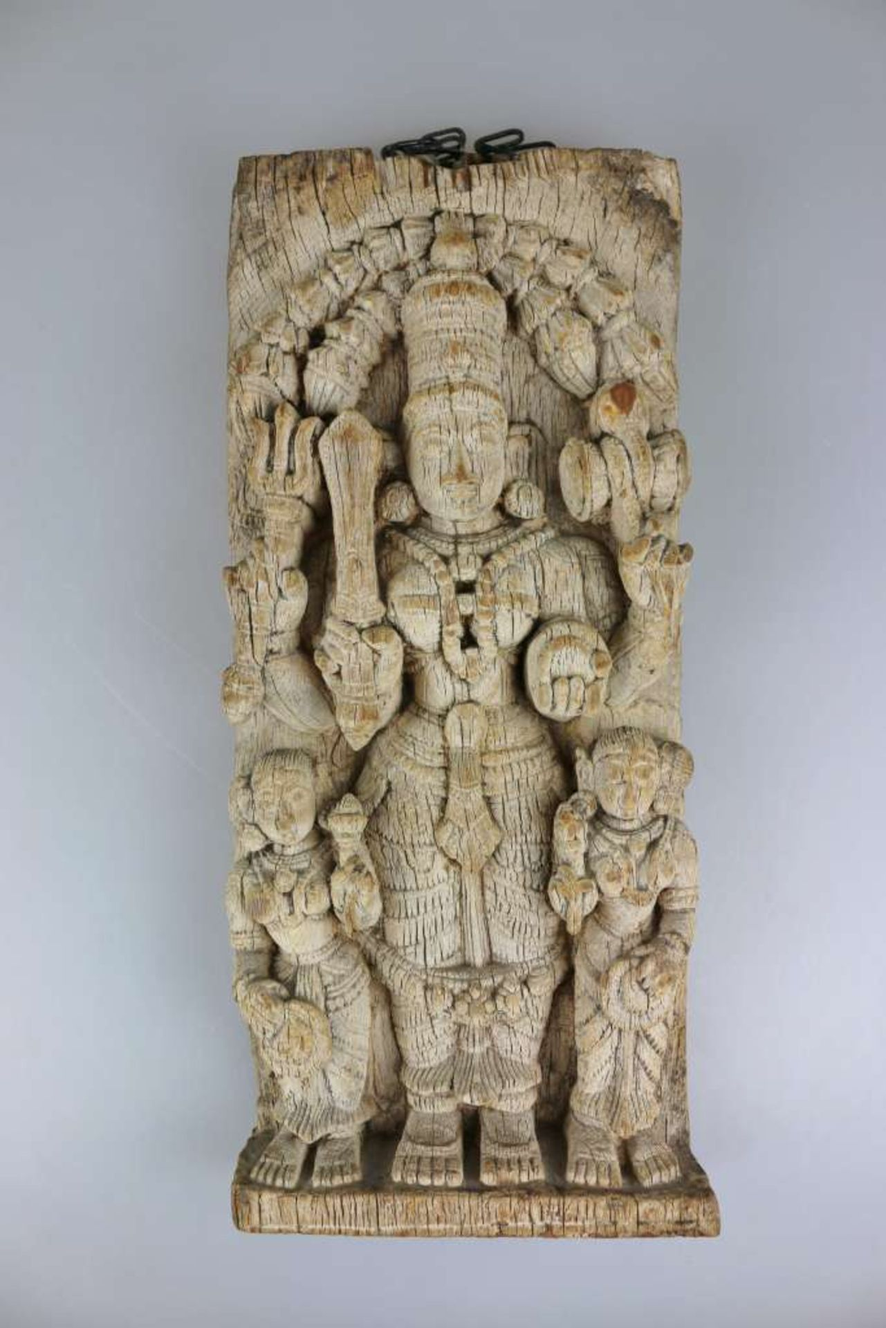 Prozessionsholz, Gott Vishnu, Indien, 19./ 20. Jh., Relief geschnitzt, Darstellung des vierarmi