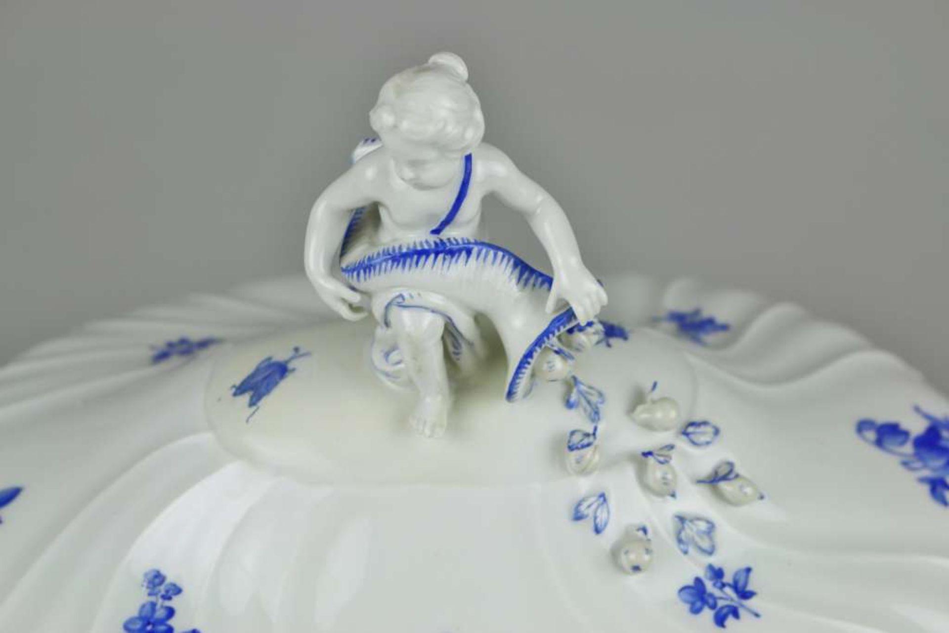 """Meissen, Rest Speiseservice, 19. Jh., Neuer Ausschnitt """"Blaue Blume mit Insekten"""", 4-teilig sow - Bild 4 aus 9"""