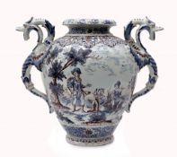 Fayence-Vase im Stil der Manufaktur in Nevers