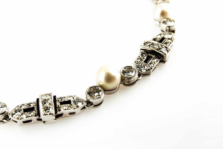 Lot 24 - Necklace