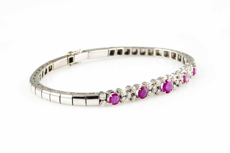 Lot 6 - Bracelet