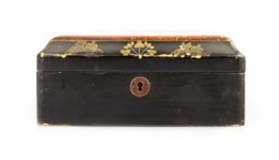 Set of lidded box and tray