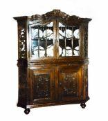 Bergian display cabinet