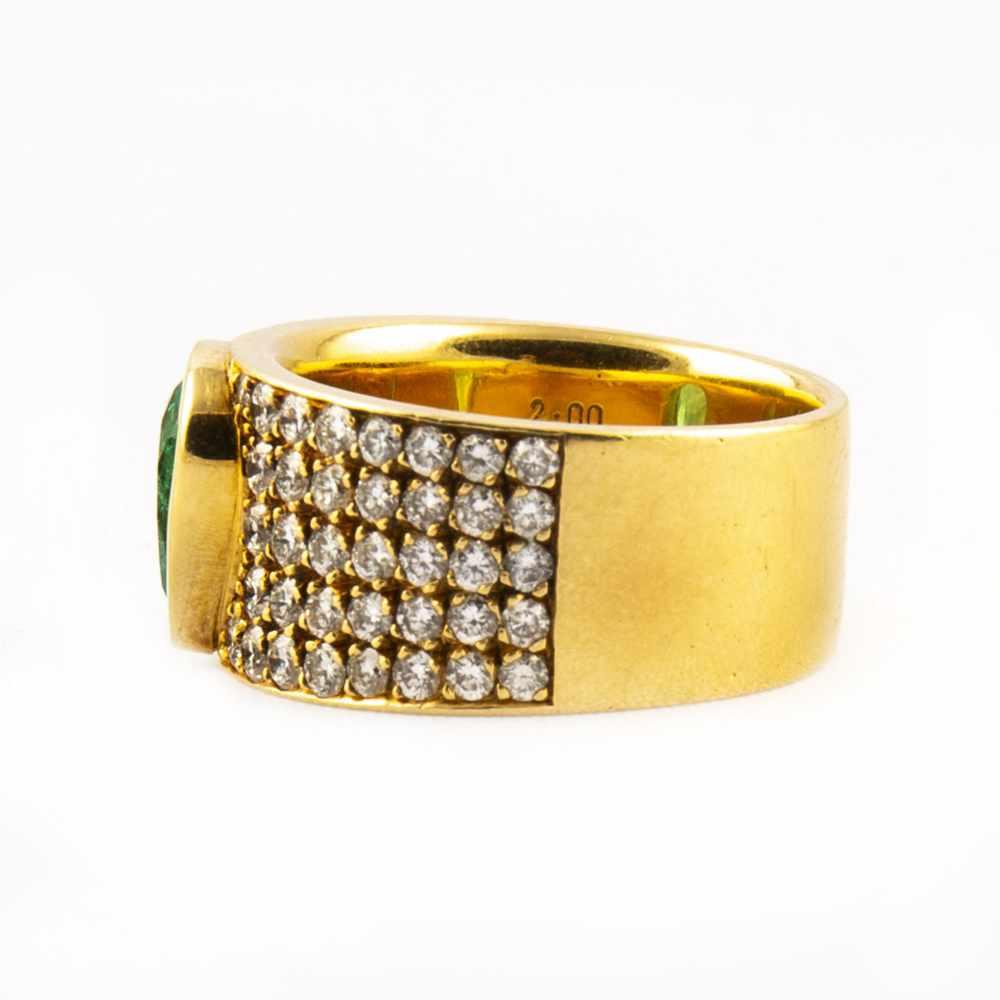 Lot 52 - Ladies ring