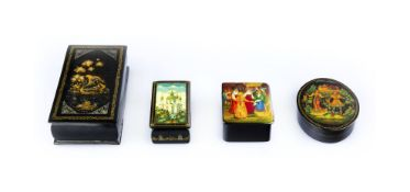 Konvolut Lackdosen7-tlg., Russland, 20. Jh., Holz, schwarz und polychrom lackiert, mit