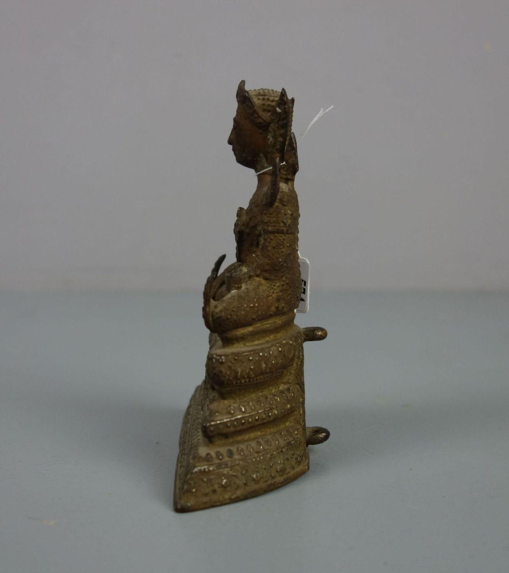 """Los 574 - SKULPTUR / sculpture: """"Buddha"""", Thailand, Ratanakosin Periode, Bronze mit Akzentuierungen aus..."""