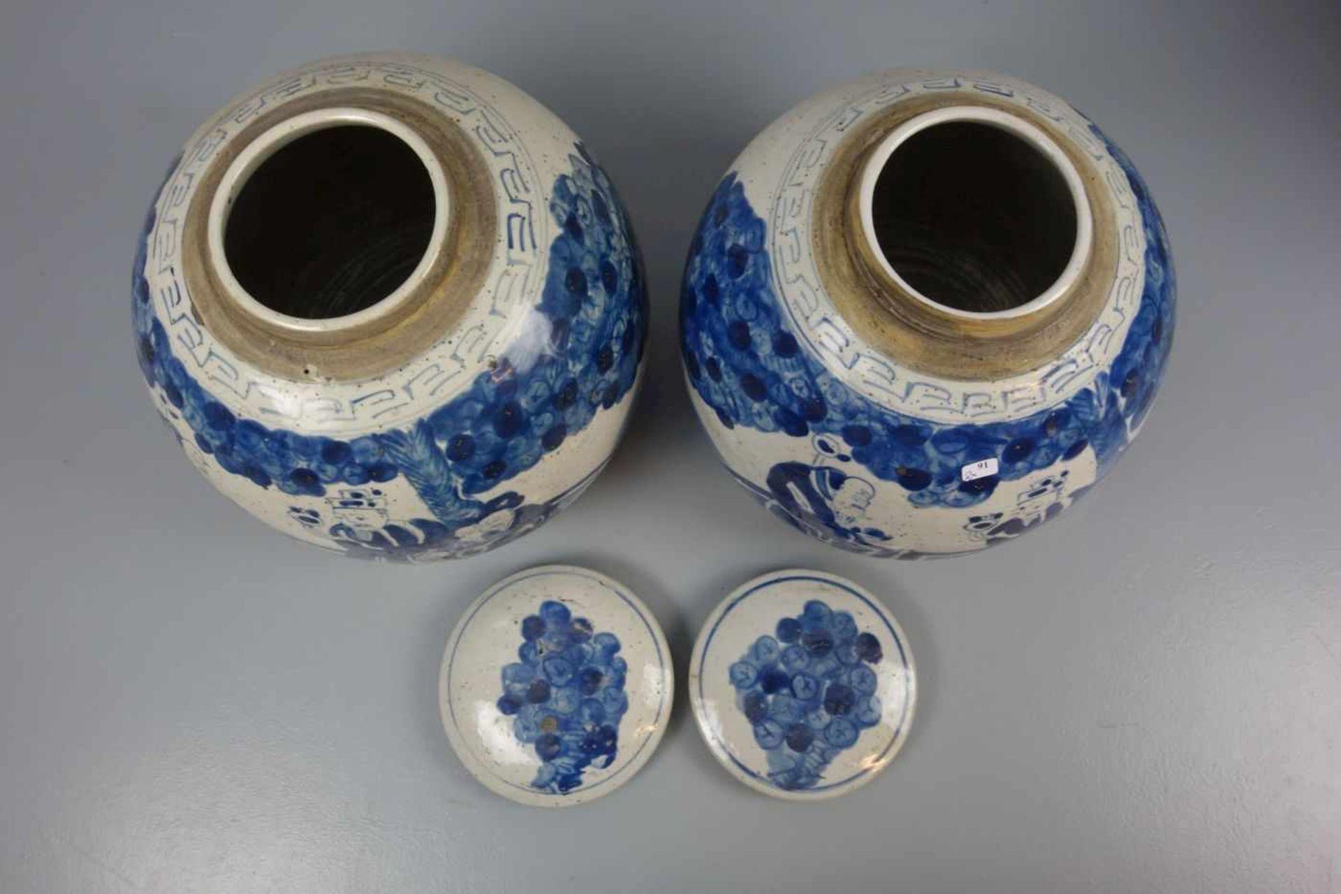 Los 91 - PAAR INGWERTÖPFE / DECKELDOSEN / DECKELVASEN / pair of ginger jars, late Qing dynasty, Porzellan,...