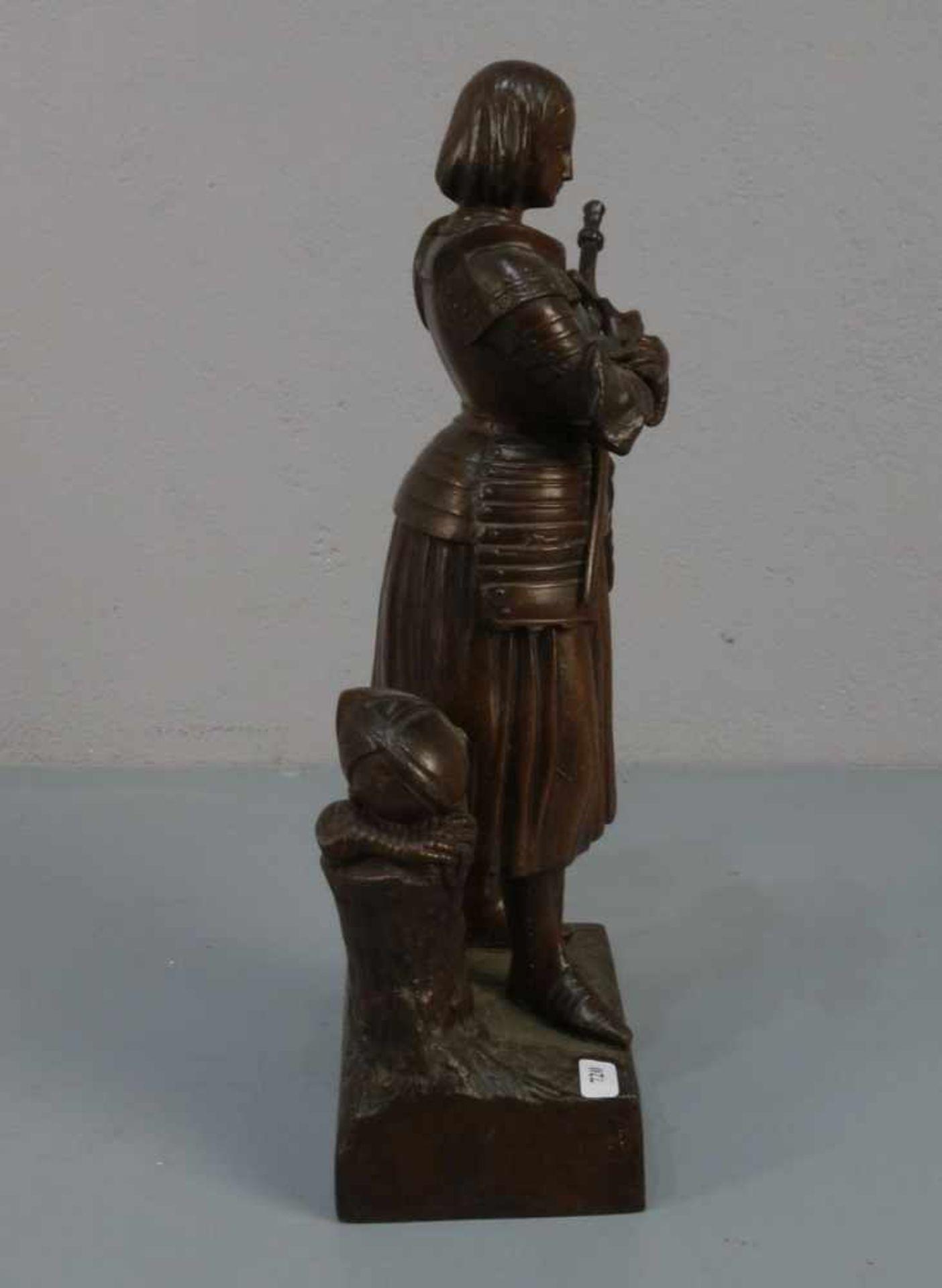"""BILDHAUER DES 19./20. JH., Skulptur / sculpture: """"Jeanne d'Arc avant le Combat (Jeanne d'Arc vor dem - Bild 4 aus 4"""