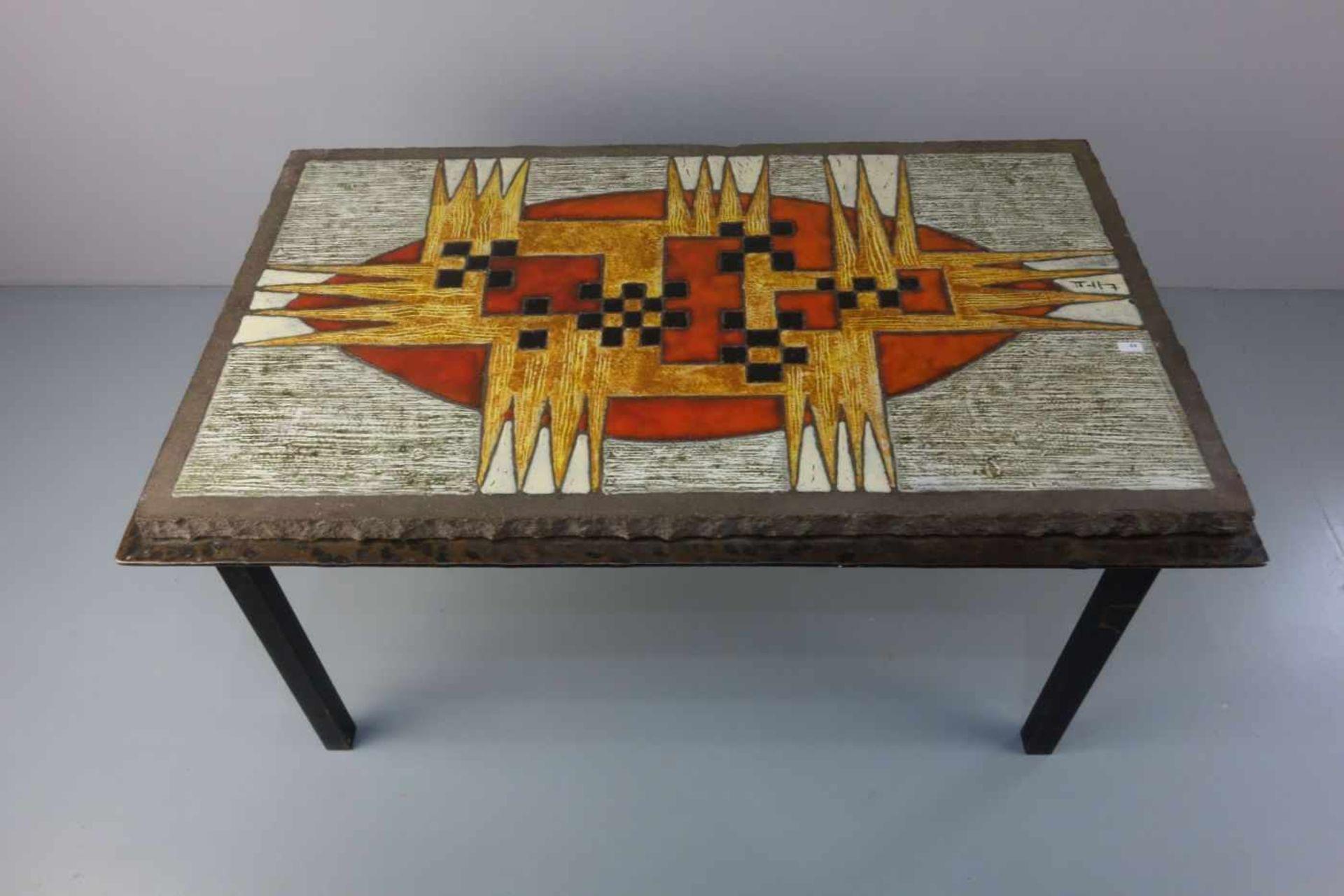 Los 435 - JAFFEUX, JEAN (1931-2015, Maler, Aquarellist und Keramiker), Tisch mit abstrahierter Landschaft /...