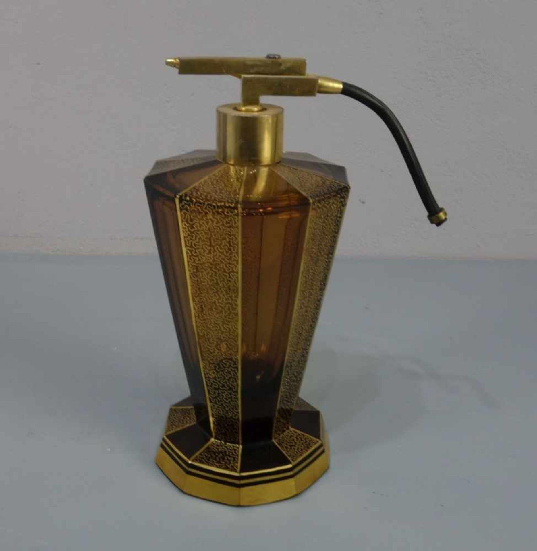 ART DÉCO - FLAKON mit Zerstäuber / flacon, bernsteinfarbenes Glas, wohl Haida, Böhmen, 1930er Jahre. - Bild 3 aus 4