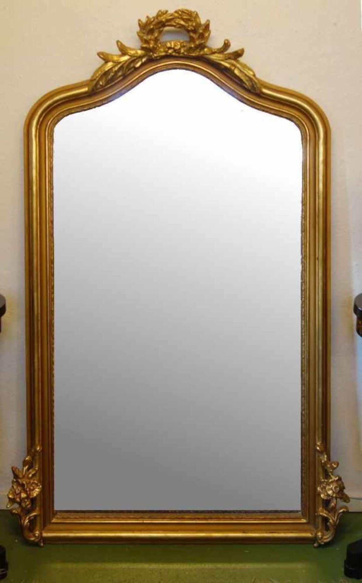 Los 102 - SPIEGEL / SALONSPIEGEL / mirror. Facettierter und oben geschweifter großer Salon- oder...