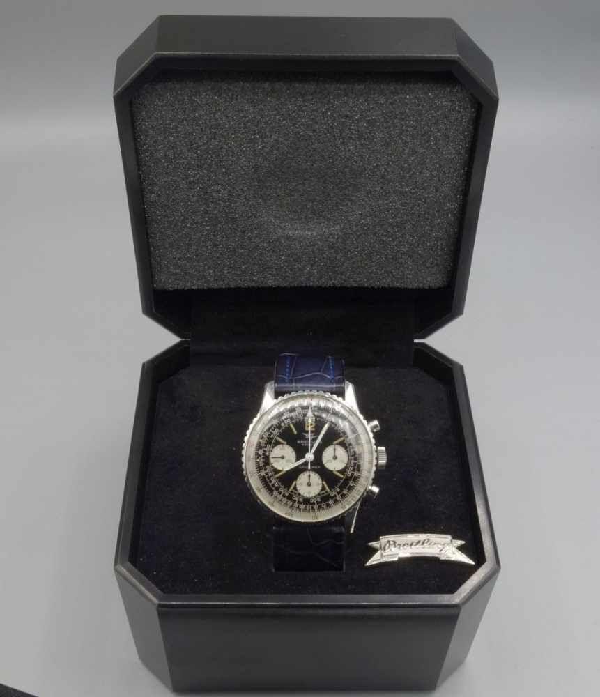 VINTAGE ARMBANDUHR: BREITLING NAVITIMER / wristwatch, Handaufzug, Manufaktur Breitling SA / Schweiz. Chronograph mit beidseitig drehbarer Lünette an dunkelblauem Lederarmband mit Edelstahlgehäuse -