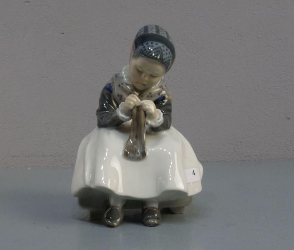 PORZELLANFIGUR / porcelain figure: