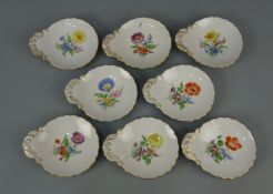 8 SCHALEN / KONFEKTSCHALEN / bowls, Porzellan, Manufaktur Meissen, unterglasurblaue Schwertermarke,