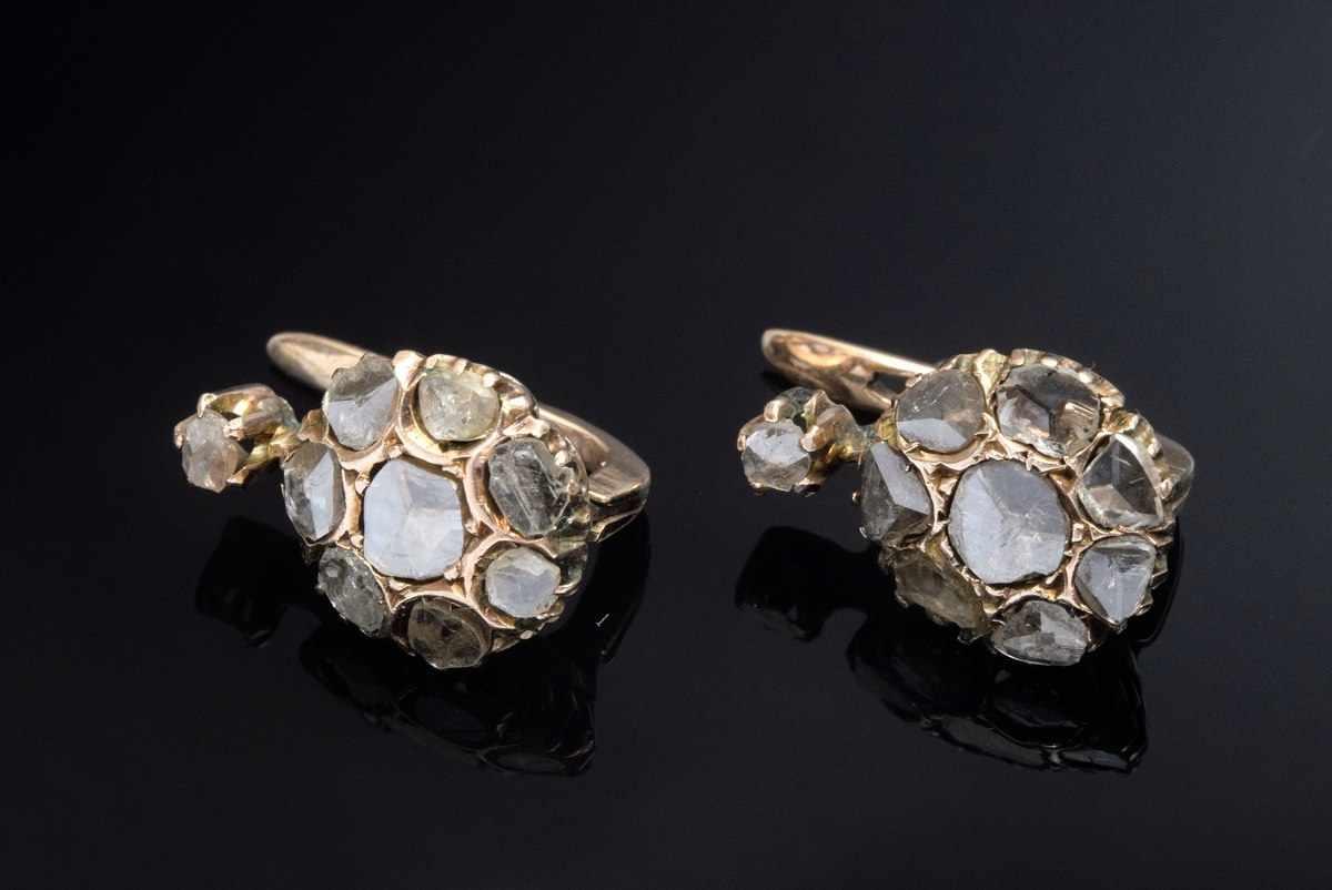 Lot 50 - pair RG 585 earrings with diamond roses (add. 0.50ct/P/C), 3,2g, l. 1,6cm