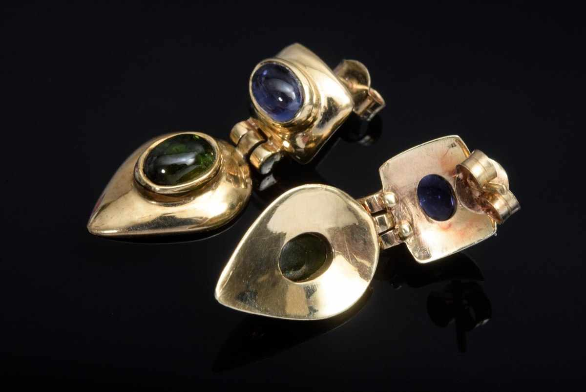 Lot 28 - Pair of GG 585 earrings with tourmaline and tanzanite cabochons, 6,2g, l. 2,6cm