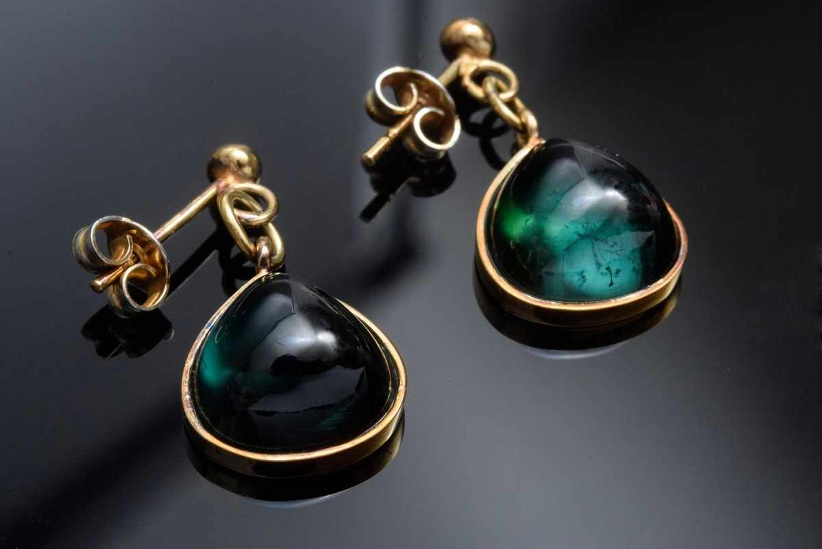 Lot 39 - Pair of GG 585 earrings with green tourmaline drops, 5,9g, l. 2,9cm