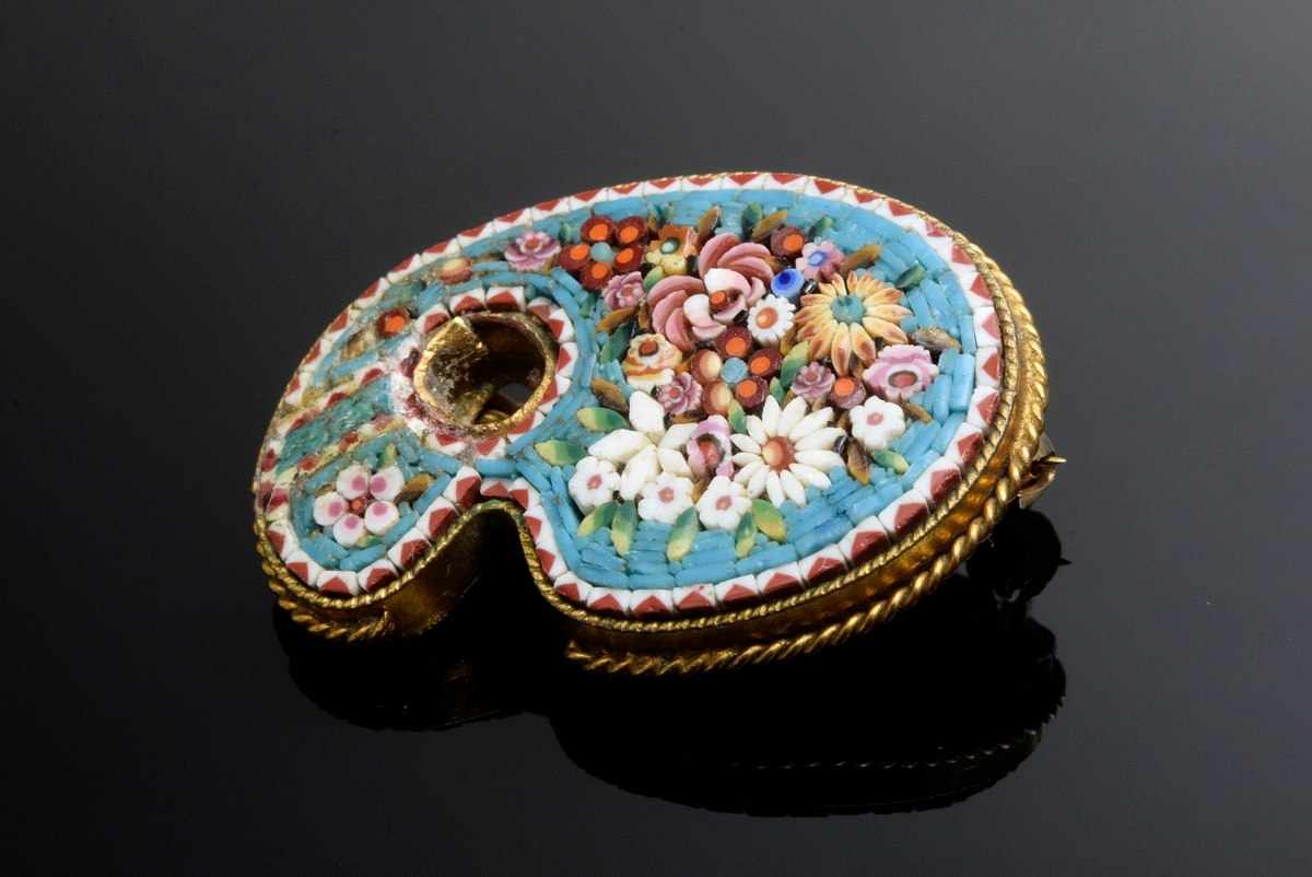 """Lot 7 - metal/gold-plated micromosaic needle """"Malerpalette"""", Italy around 1870, 3,4x2,5cm"""