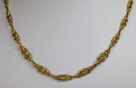 COLLIER im Verlauf, aus durchbrochenen Gliedern, mit Ringverschluß, Gelbgold 14ct, 8,25g, L 46cm