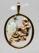 Anhänger mit Opal und kleinem Brillant ca. 0,1 ct, Goldschmiedearbeit aus Australien, 20. Jh.