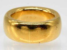 Breiter, massiver Ring, Goldschmiedearbeit, 21. Jh.