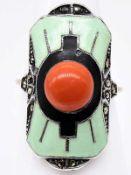 Ring mit Korallen-Bouton, Markasiten und Emaille, Theodor Fahrner, Art Deco.
