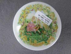Schöne Deckeldose Sommer Porzellan 14cm Durchmesser<
