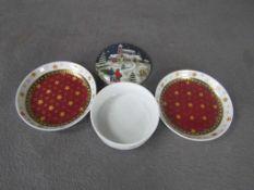 Drei Teile Porzellan Schälchen und Dose